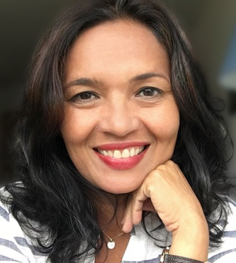Author NinaSR